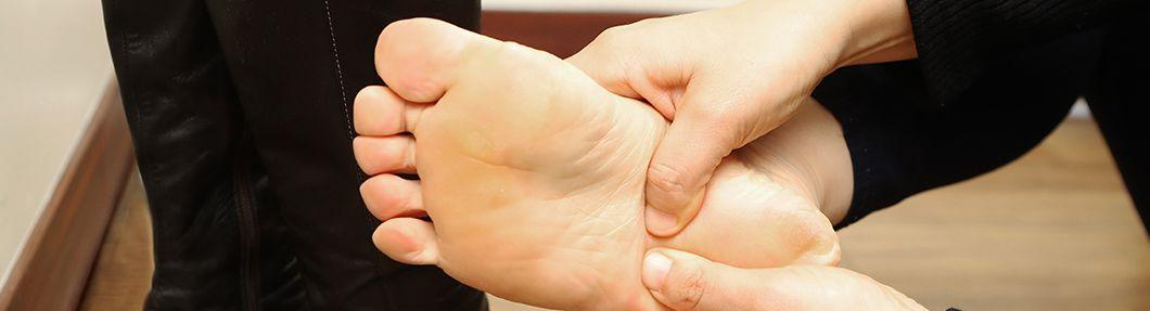 발가락으로 피아노를 쳐? 족저근막염 걱정되면 도전!