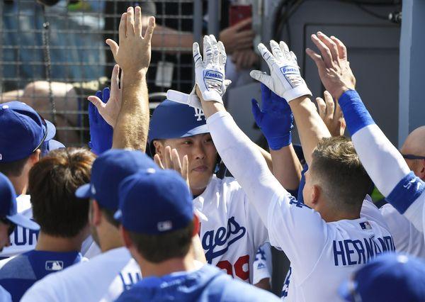 류현진 첫 홈런, 추신수 23홈런 신기록 한국인 ML 홈런 역사 다시 쓰다