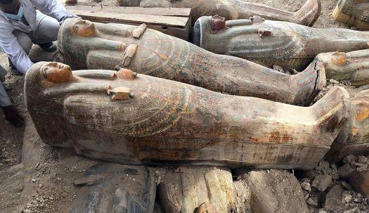 이집트 나일강변 고대 도시에서 채색 목관 20여개 발견