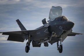 해군이 탐내는 F-35B, 초음속 비행 땐 스텔스 코팅 벗겨져