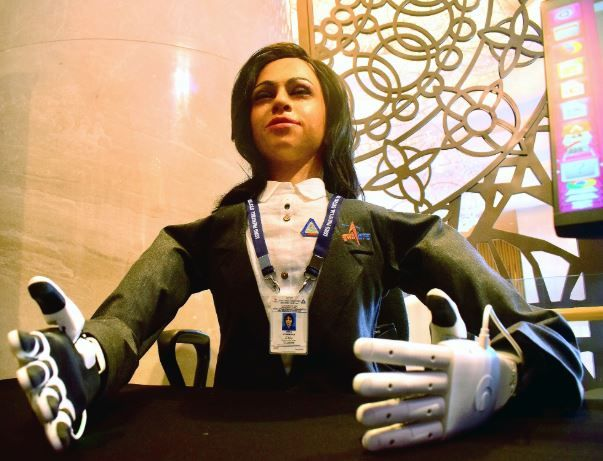 인도 첫 유인우주선에 함께 탈 휴머노이드 로봇