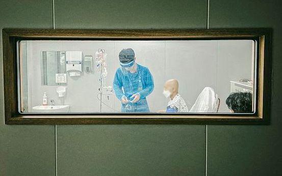 간호사가 기록한 코로나 19 현장의 간호사 사진전