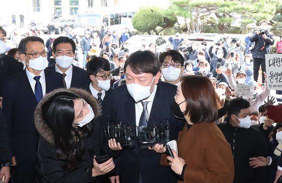 [지금 이 시각]환호 속 대구 방문한 윤석열 검찰 총장