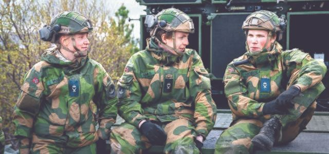 2만4000여명 소수정예 병력노르웨이 왜 여성도 軍 가나