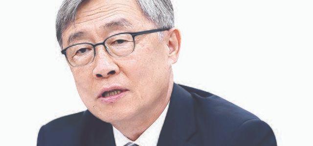 단독 '아들 둘 입양' 최재형이르면 이달 사퇴후 대선행