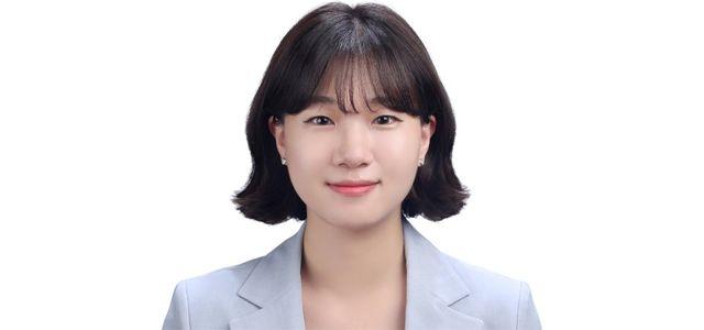 """25세 청년비서관 솔직했다조국 이슈 묻자 """"내로남불"""""""