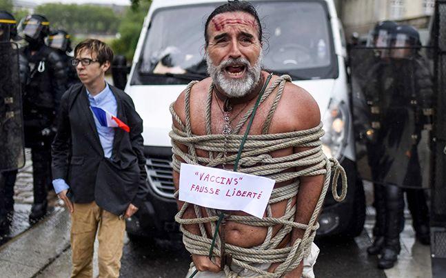 """[이 시각] """"백신독재, 마크롱 사퇴"""" 프랑스 백신여권 반대 시위"""